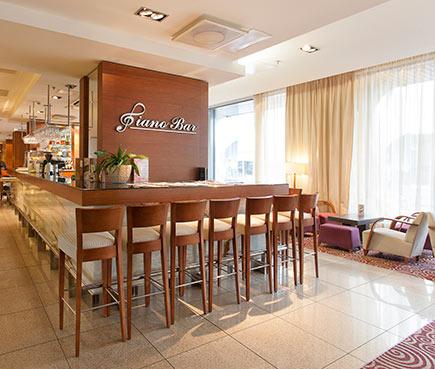 Tallink City Hotel - Piano Bar